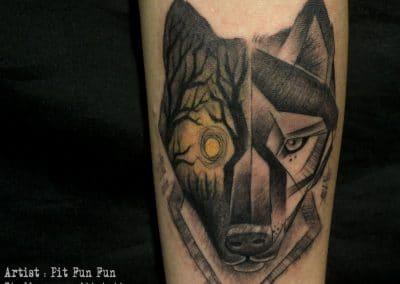 geomatrical wolf